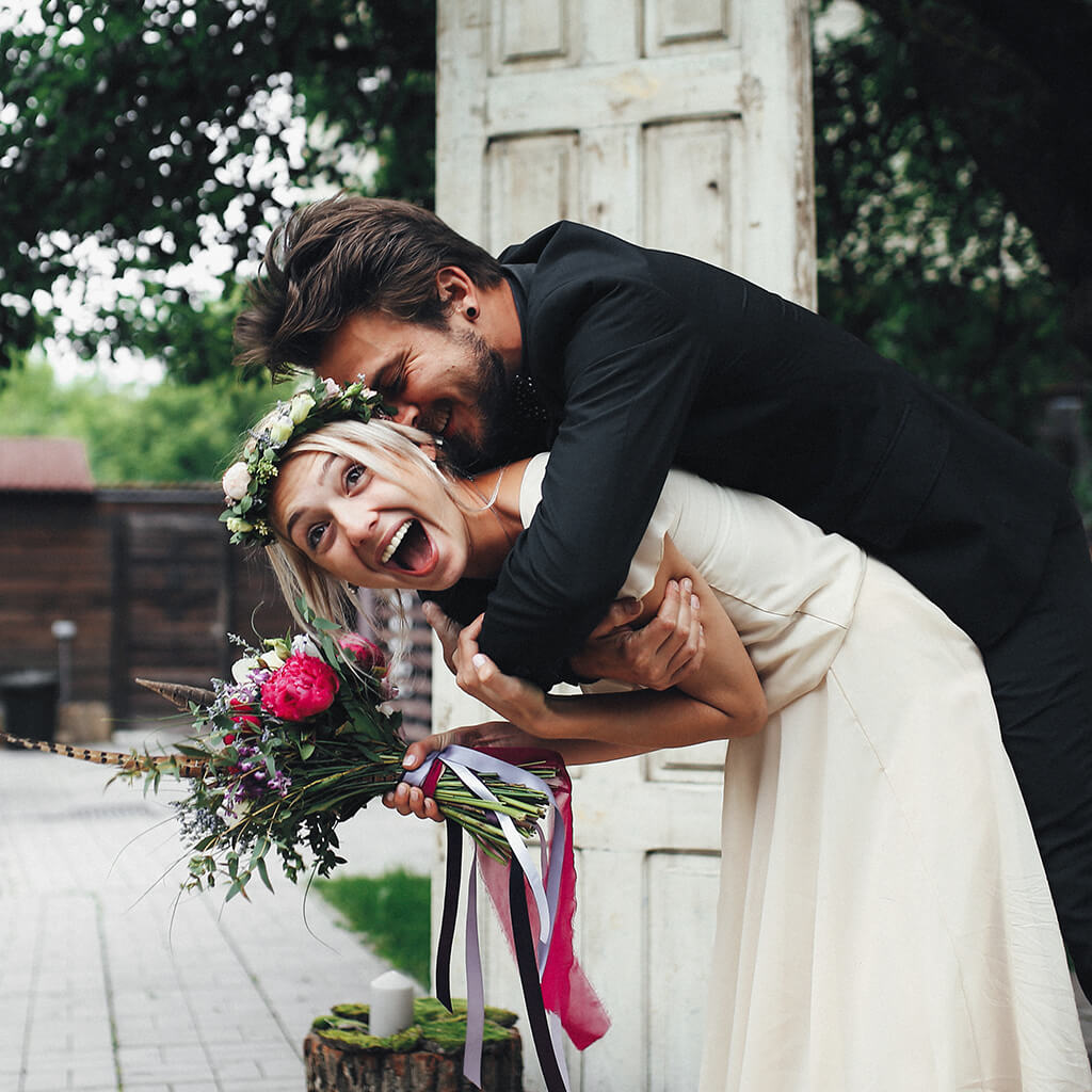 50 Funny Wedding Pictures To Take At Any Wedding Ceremony