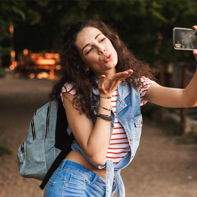 50 Selfie Poses And Tips To Try In 2021 5 Freebies 50 awesome selfie poses and ideas. 50 selfie poses and tips to try in 2021